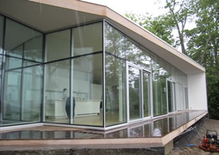 Private Residence in Maine. Designed by Toshiko Mori Architects. Glass and curtainwall by O&P Glass.
